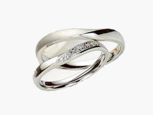結婚指輪:アイヴェール 上:30473 Pt ¥105,000 下:30472 Pt WD 1/200×9p ¥126,000