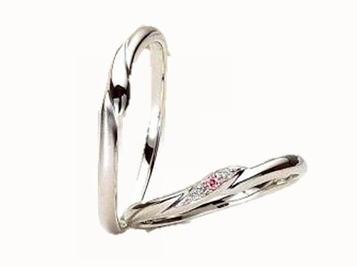 結婚指輪:アイヴェール 左:30483 Pt ¥79,800 右:30483 PD Pt PD 1/100 ¥110,250