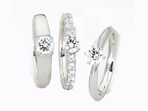婚約指輪:アイヴェール 左:30515 pt 枠のみ ¥138,000
