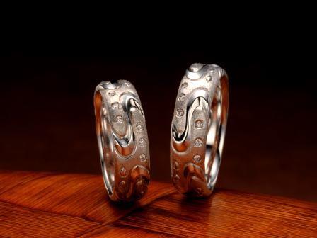 結婚指輪:琉球 紅型(ビンガタ)Pt900 ¥151,200-