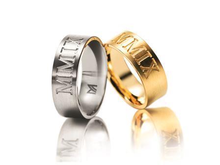 結婚指輪:マイスター インディビジュアルズライン 066 左:WG750 ¥275,000- 右:YG750 ¥275,000-