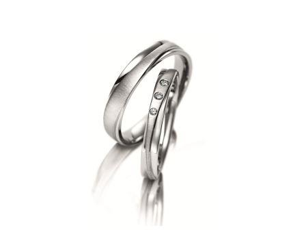 結婚指輪:マイスター シンボリックスライン 075 WG750 左:¥215,000- 右:¥235,000-
