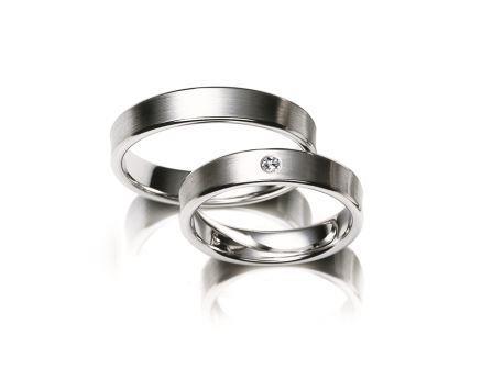 結婚指輪:マイスター クラシックスライン 029 Pt950 上:¥255,000- 下:¥290,000-
