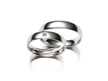 結婚指輪:マイスター クラシックスライン 025 Pt950 上:¥190,000- 下:¥220,000-