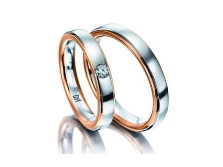 結婚指輪:マイスター クラシックスライン 110 WG\RG750 左:¥260,000- 右:¥190,000-