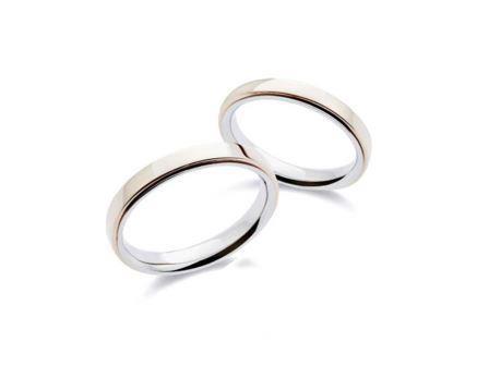 結婚指輪:左:MCHK350 Pt900/K18 ¥101,520~ 右:MCHK300 Pt900/K18 ¥93,960-