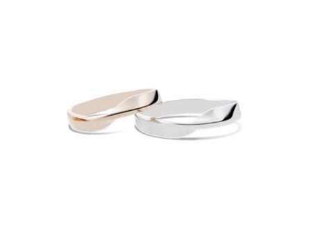 結婚指輪:左:DM-157 K18 ¥75,600- 右:DM-156 Pt900 ¥129,600-