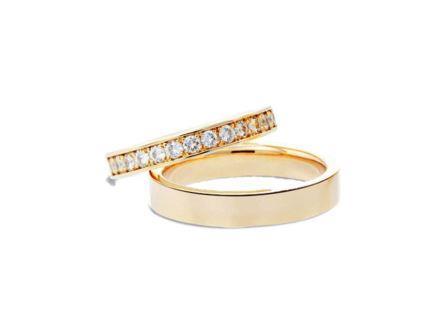 結婚指輪:上:DM-78 K18 ¥205,200- 下:DM-140 K18 ¥118,800-