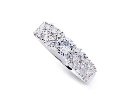 婚約指輪:DR-78 Pt900 ¥753,840-