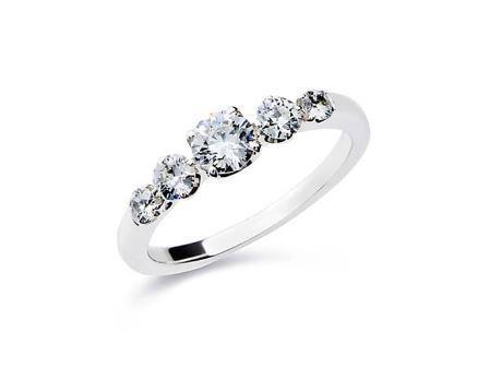 婚約指輪:DR-41 Pt900 ¥437,400-