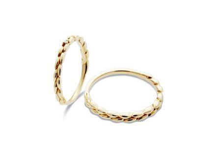 結婚指輪:左:DM-149 K18 ¥48,600- 右:DM-148 K18 ¥54,000-