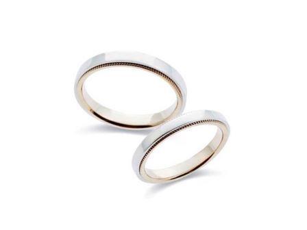 結婚指輪:上:MCMP350 Pt900/K18 ¥101,520~ 下:MCMP300 Pt900/K18 ¥93,960-