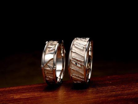 結婚指輪:竹取 与一 「竹取」は竹の特性から、隠し事がない、自制心、慎み深い事を表しています。「与一」は歴史上の人物である那須与一をモチーフとし、愛を射止めるというストーリーを浮き彫りでデザイン