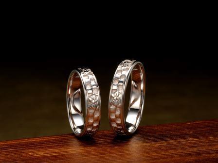 結婚指輪:市松胡蝶(吉祥)最も「粋」であるとされた市松格子と江戸小紋の蝶が舞う洗礼されたデザインです。