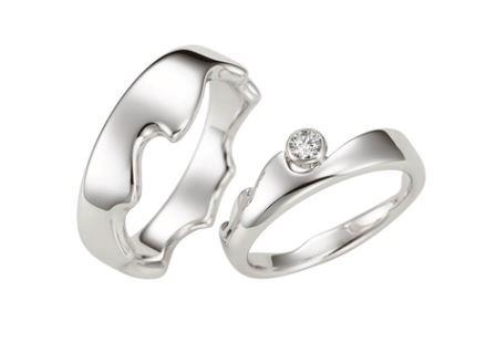 結婚指輪:Water Snow 〜水〜  Pt900  左:¥235,000- 右:¥239,000-
