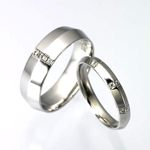 結婚指輪:CYO 115405 ナイフエッジ6mmサテン(つや消し) 112106 ナイフエッジ3mmポリッシュ(鏡)
