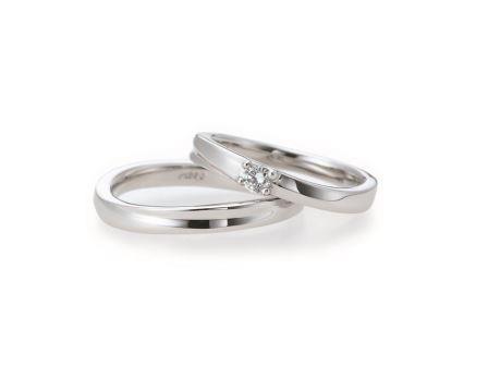 結婚リング:左:AL18 ¥122,040- 右;AL17 ¥152,280-