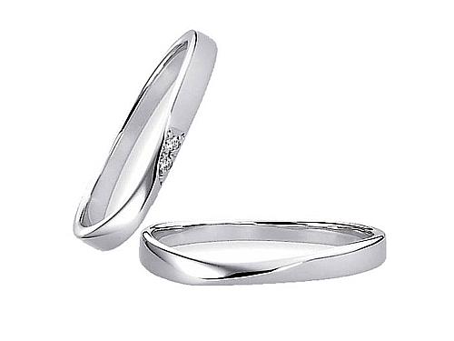 結婚指輪:エトワ 右 K013 Pt900  左 K014 Pt900・ ダイヤモンド A:54,000円  B:62,640円  C:70,200円