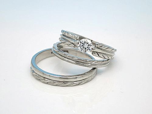 婚約指輪・結婚指輪:上:Po-0004-1 枠のみ ¥109,700- 中:Po-0004-1 ¥109,700- 下:Po-0004-2M ¥141,200-