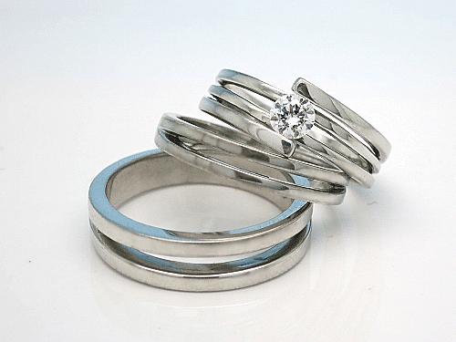 婚約指輪・結婚指輪:上:ER-0001-1 枠のみ ¥159,500- 中:Po-0004-4L ¥131,200- 下:ER-0001-3M ¥158,300-