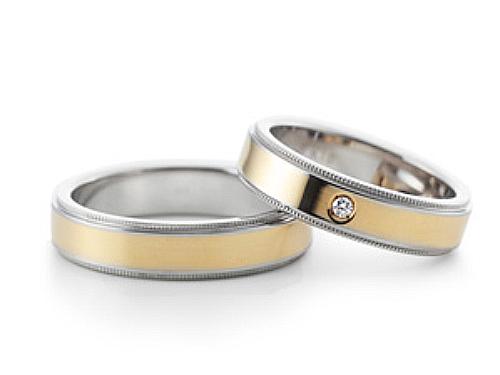 結婚指輪:グラヴィテ GY02700 GY02602