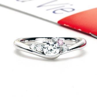 婚約指輪:トゥトゥマヴィ Aria