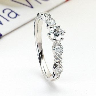 婚約指輪:トゥトゥマヴィ マリンバ