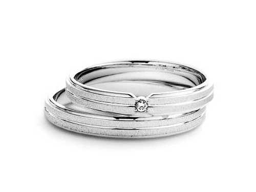 21:福岡で安い結婚指輪 マリ・エ・マリ ¥71,280-(0.01ct) ¥69,120-