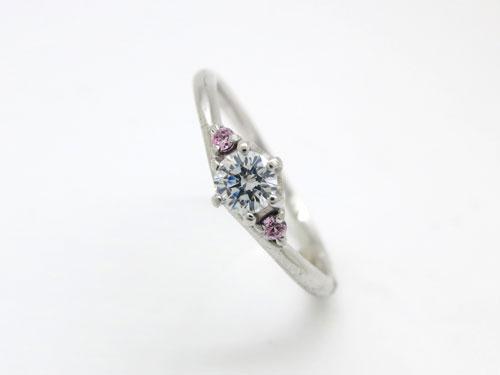 婚約指輪:結心 ハードPt900 0.2ct ¥125,280-