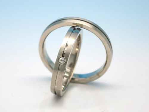 結婚リング:巧心 Pt900 D 0.03ct ¥136,620- / ¥-